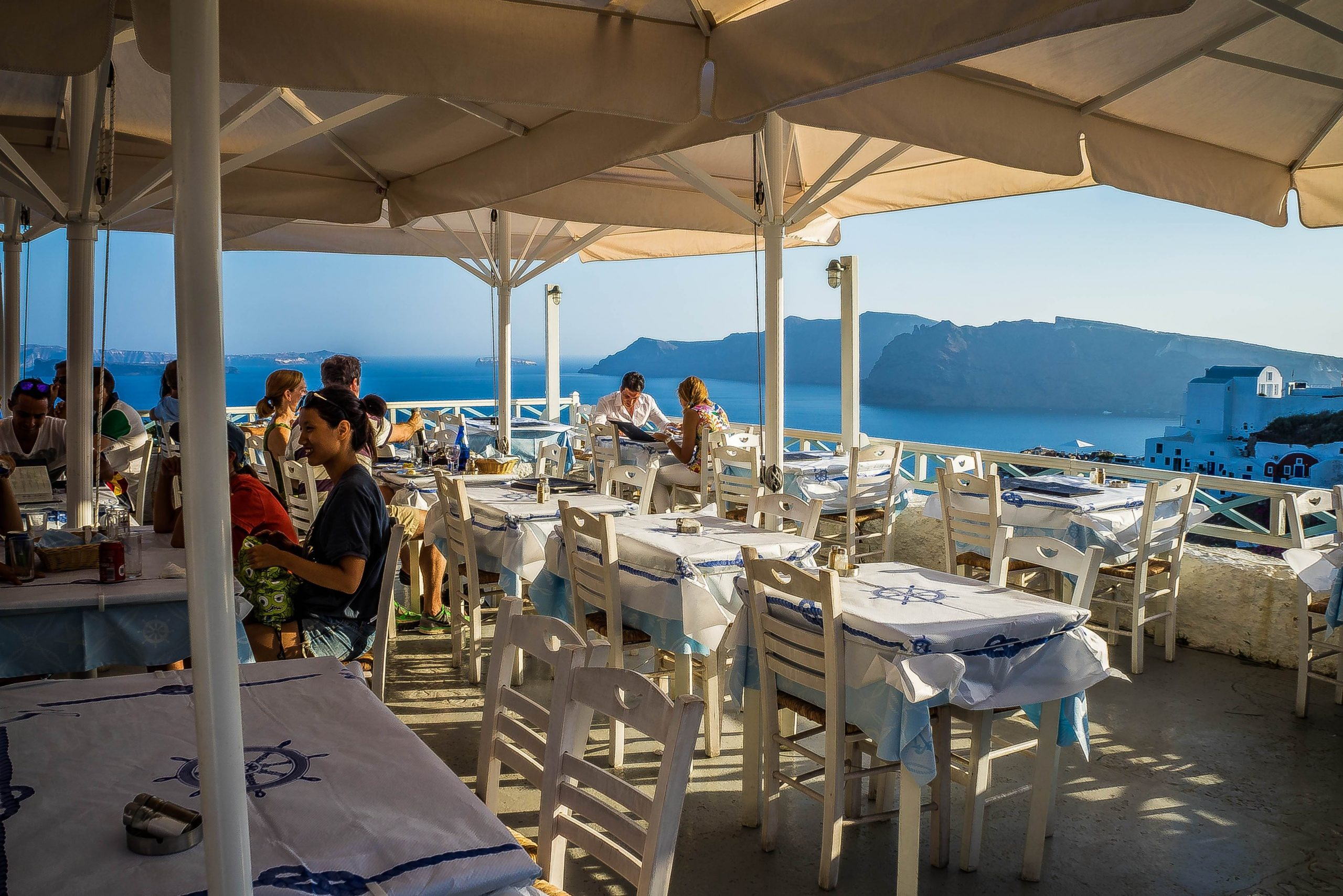 where to eat on santorini