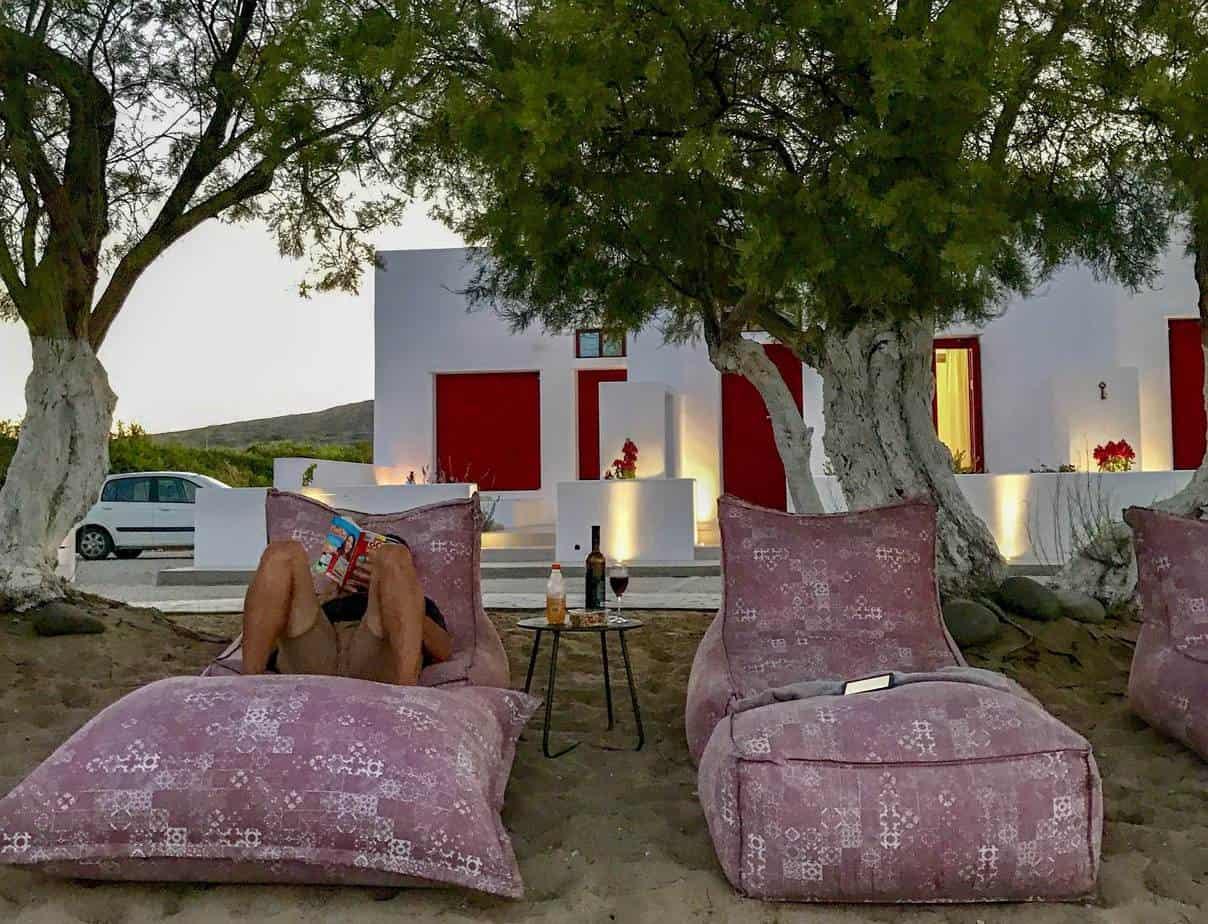 accommodation on milos