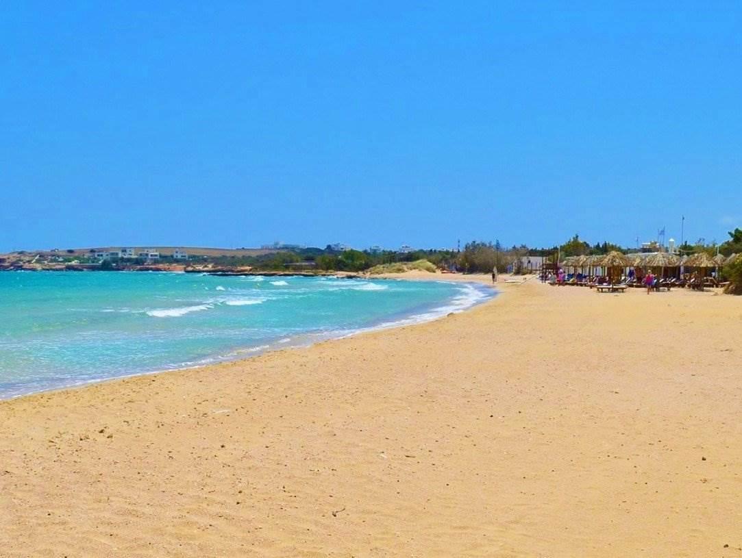 safe beach naoussa