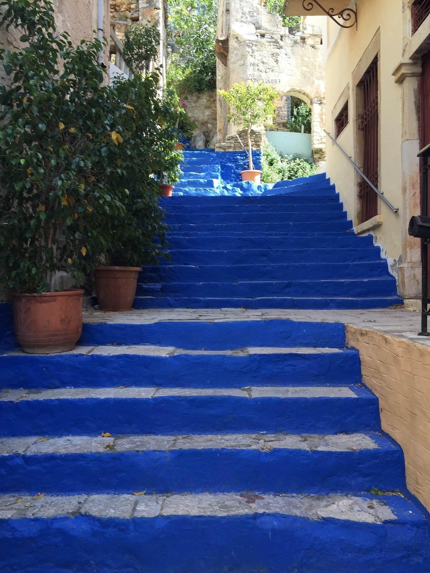 Symi steps