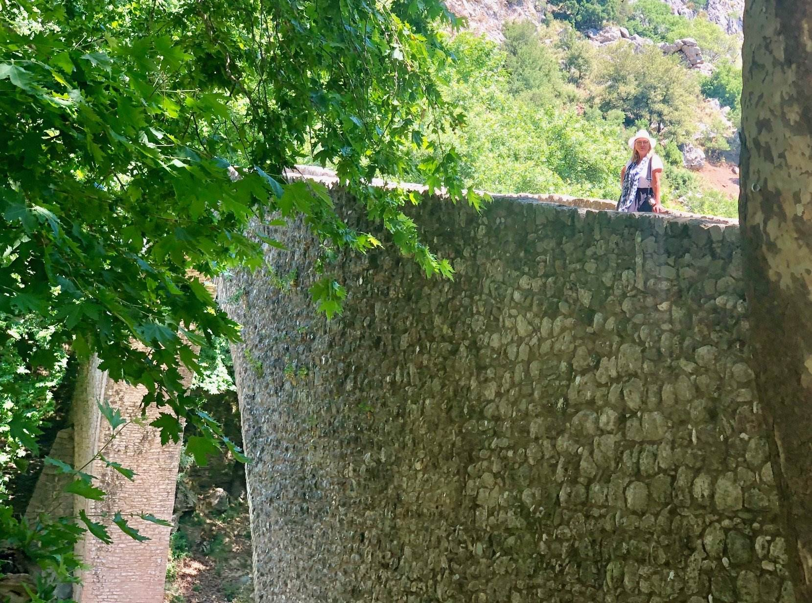 stone bridge trikala