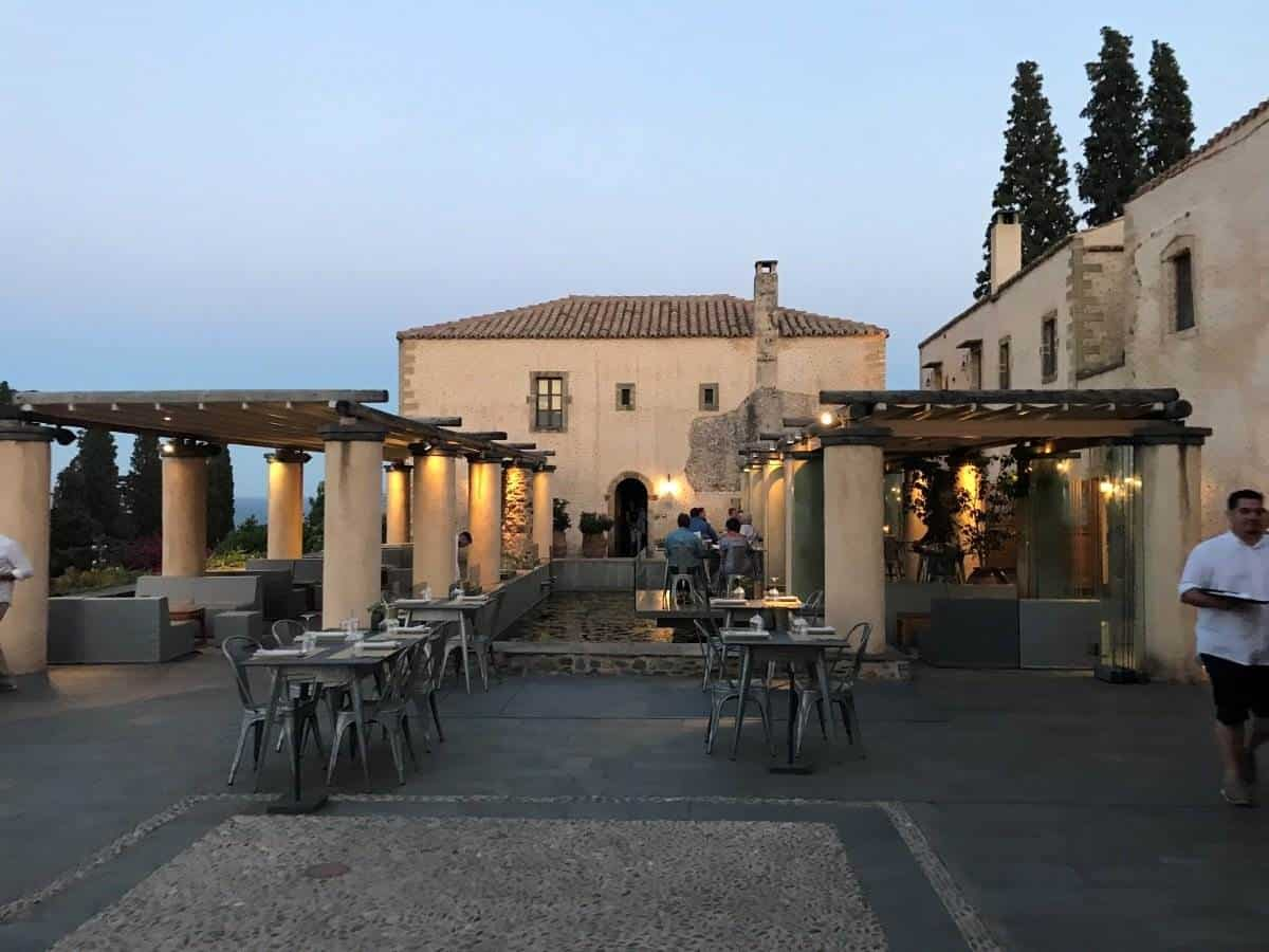 luxury hotel monemvasia