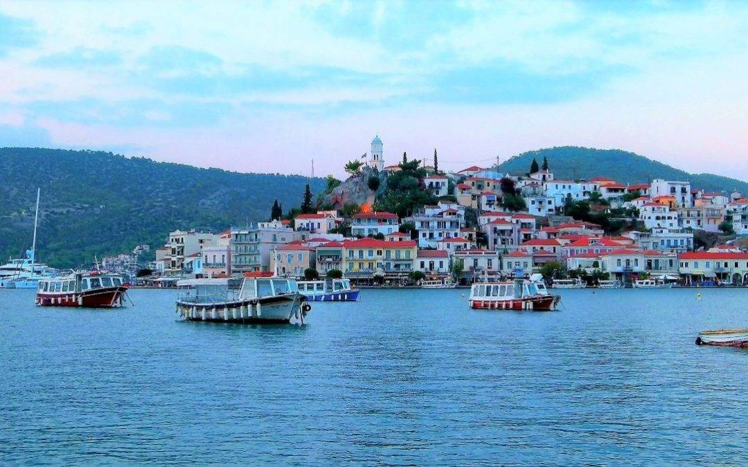 Greek island hopping itineraries