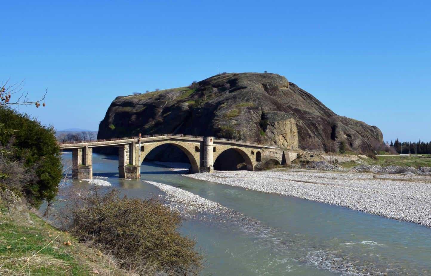 stone bridge meteora