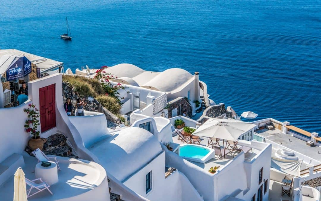 THE BEST AIRBNB'S IN SANTORINI FOR EVERY NEED