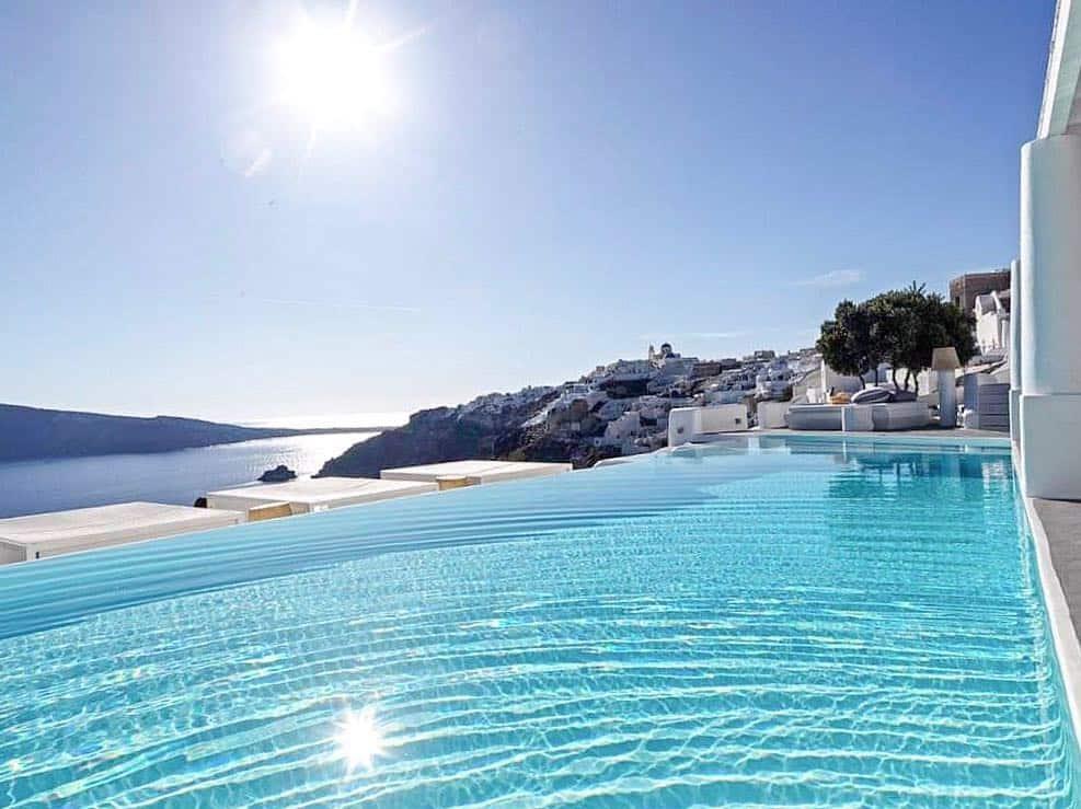 oia hotel pool